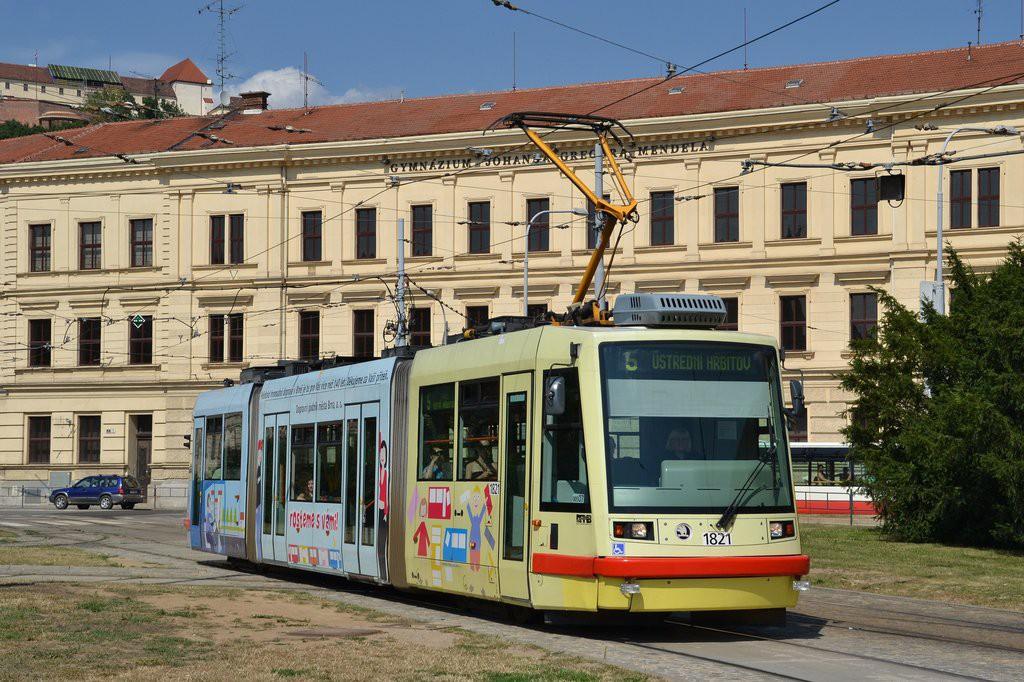 Fotogalerie » Škoda 03T7 1821 | Brno | Staré Brno | Mendlovo náměstí