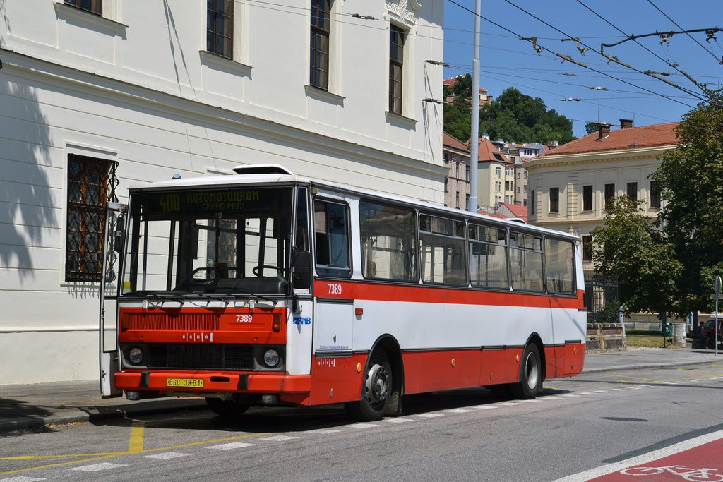 Fotogalerie » Karosa B732.1654.3 BSC 39-61 7389   Brno   Staré Brno   Mendlovo náměstí   Mendlovo náměstí