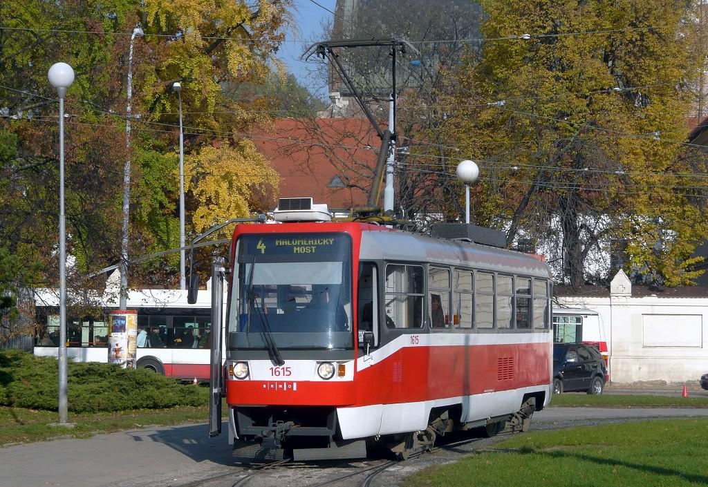 Fotogalerie » ČKD Tatra T3R 1615 | Brno | Staré Brno | Mendlovo náměstí | Mendlovo náměstí, smyčka