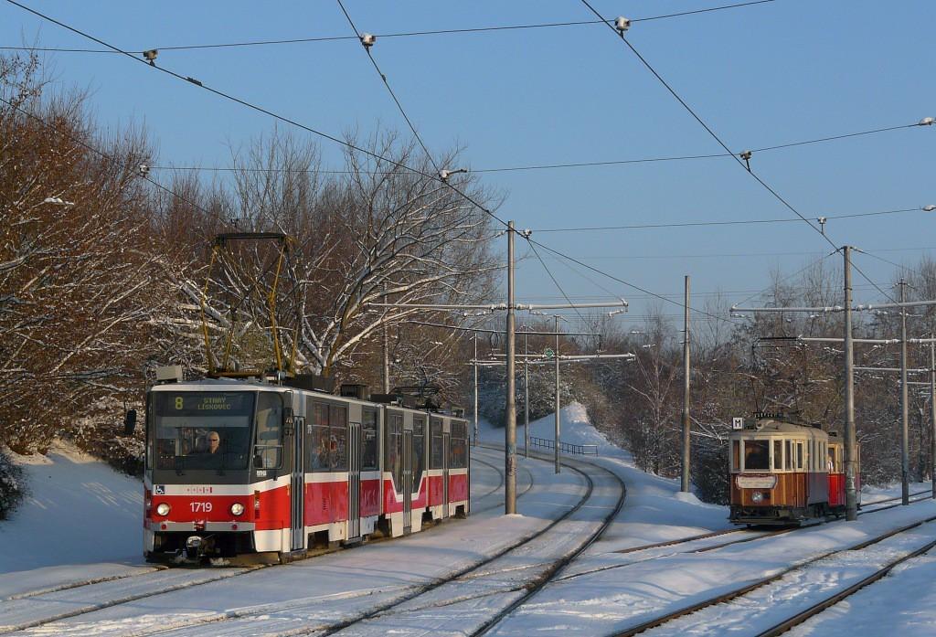 Fotogalerie » ČKD Tatra KT8D5R.N2 1719 | KPS Brno mv6.3 107 | Ringhoffer vv2.ringh 215 | Brno | Židenice