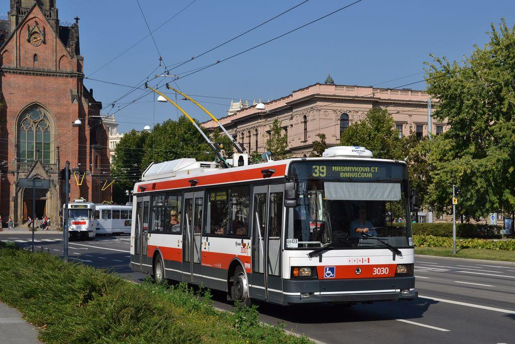 Fotogalerie » Škoda 21Tr 3030   Brno   střed   Komenského náměstí