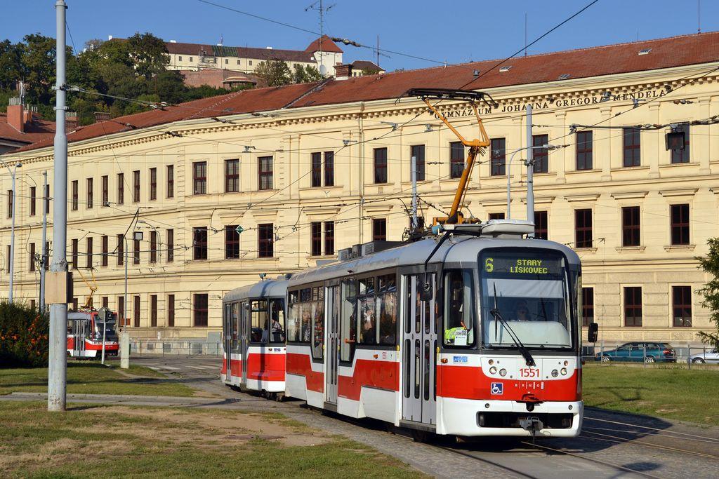 Fotogalerie » Pragoimex VarioLFR.E 1551   Pragoimex VV60LF 1303   Brno   Staré Brno   Mendlovo náměstí
