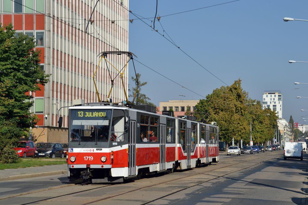 Fotogalerie » ČKD Tatra KT8D5R.N2 1719 | Brno | Žabovřesky | Jana Babáka