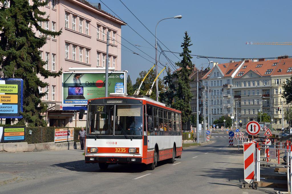 Fotogalerie » Škoda 14Tr10/6 3235   Brno   střed   Pionýrská