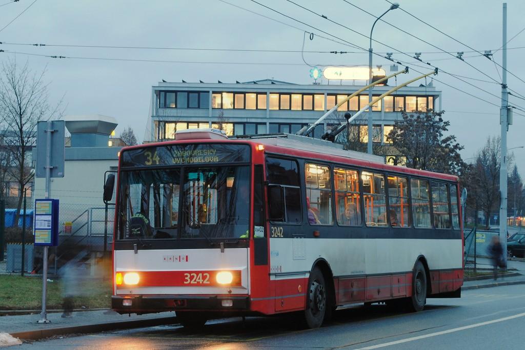 Fotogalerie » Škoda 14Tr10/6 3242   Brno   Žabovřesky   Přívrat   Přívrat