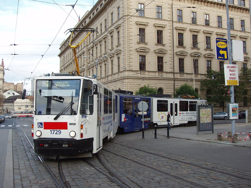 Fotogalerie » ČKD Tatra KT8D5N 1729   Brno   střed   Malinovského Náměstí