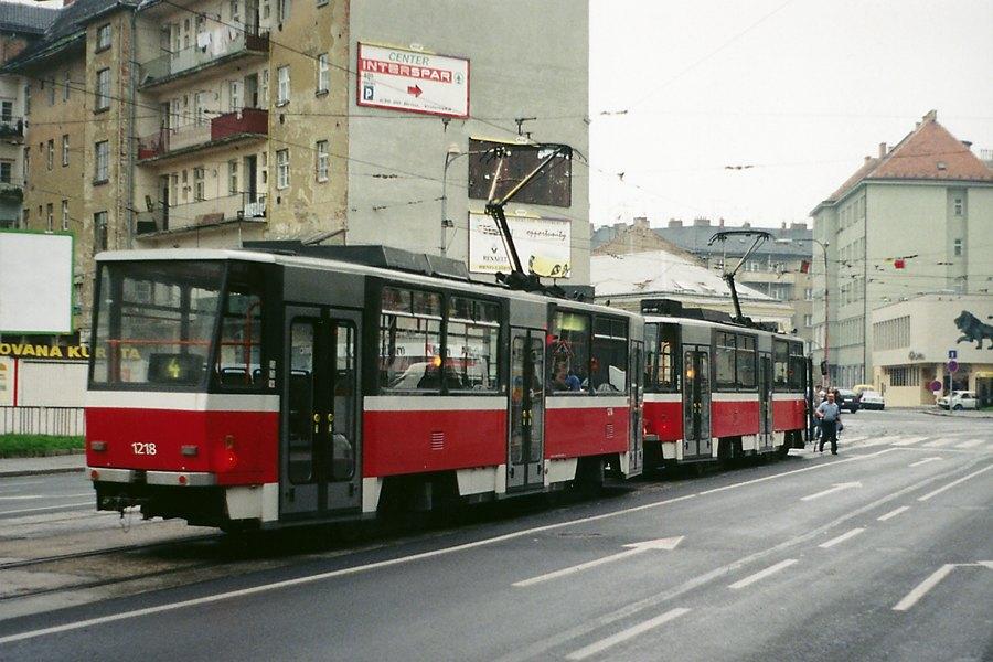 Fotogalerie » ČKD DS T6A5 1218 | ČKD DS T6A5 1217 | Brno | Staré Brno | Křížová