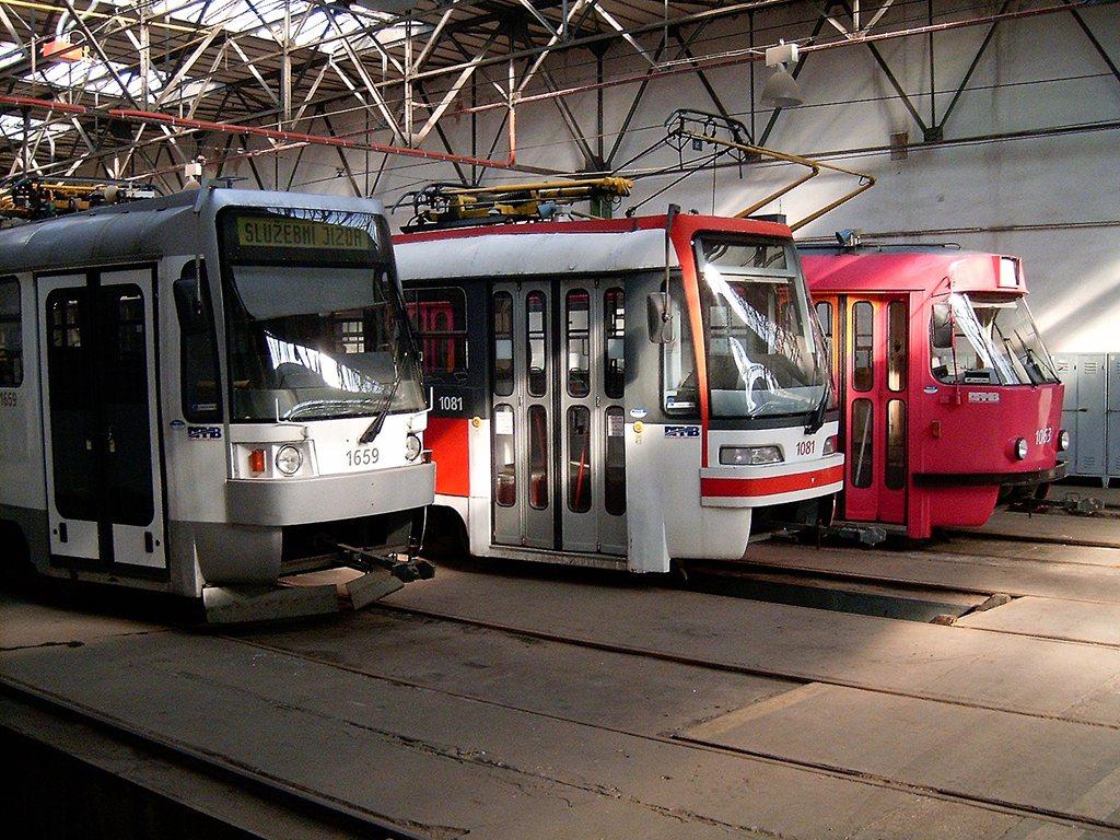 Fotogalerie » ČKD DS T3R 1659 | ČKD Tatra K2R03 1081 | ČKD Tatra K2 1063 | Brno | vozovna Pisárky