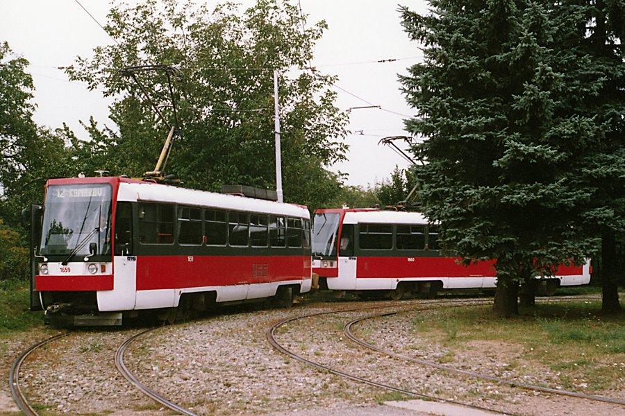 Fotogalerie » ČKD DS T3R 1659   ČKD DS T3R 1660   Brno   Královo Pole   Červinkova, smyčka
