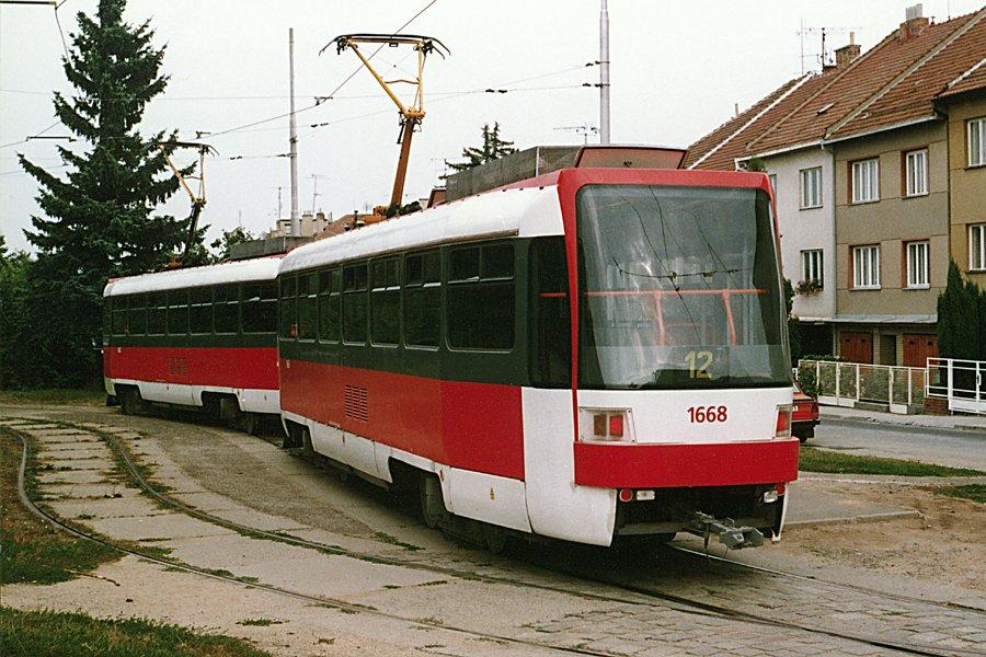 Fotogalerie » ČKD DS T3R 1667 | ČKD DS T3R 1668 | Brno | Královo Pole | Červinkova | Červinkova, smyčka