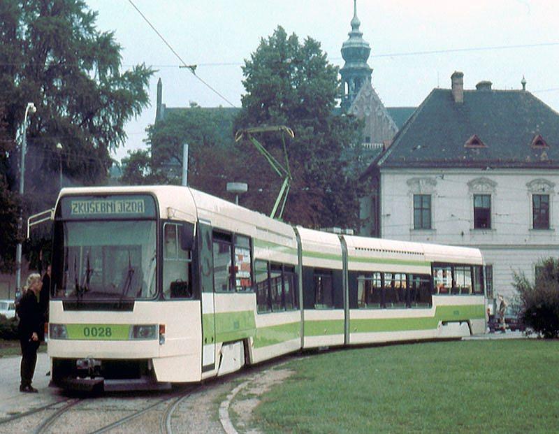 Fotogalerie » ČKD DS RT6N 0028 | Brno | Staré Brno | Mendlovo náměstí | Mendlovo náměstí, smyčka