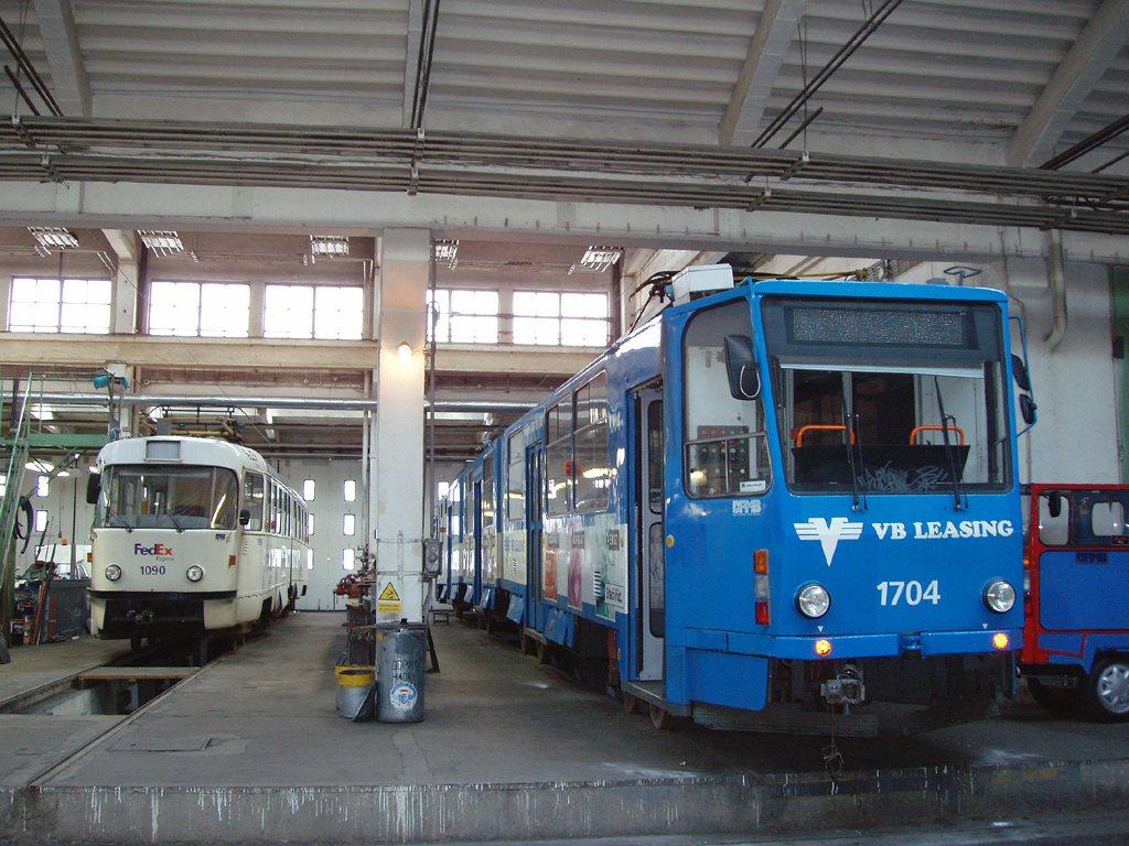 Fotogalerie » ČKD Tatra K2 1090   ČKD Tatra KT8D5 1704   Brno   Ústřední dílny