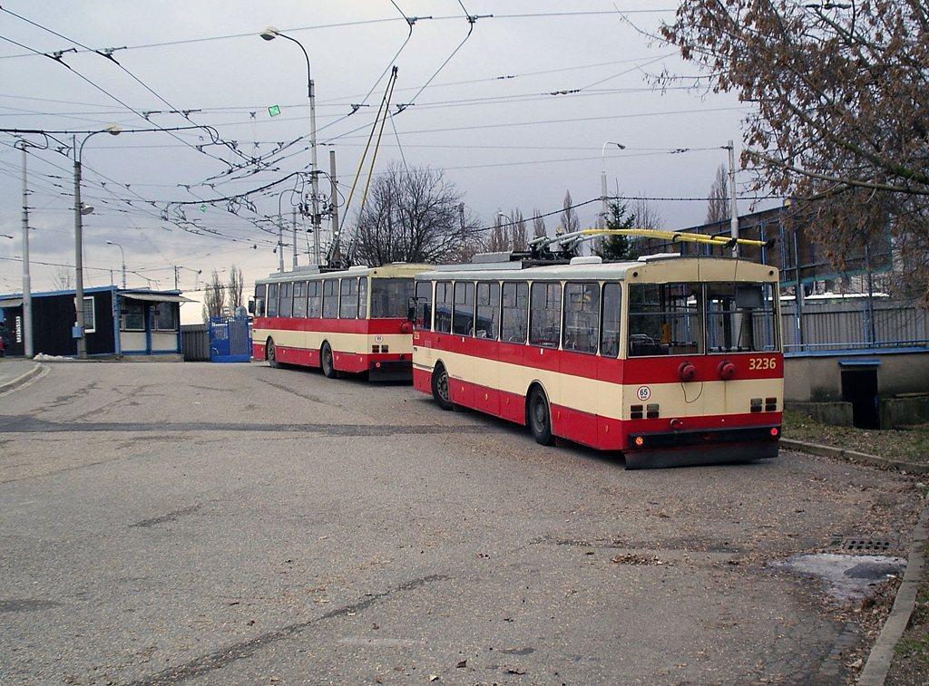 Fotogalerie » Škoda 14Tr10/6 3236 | Brno | Vozovna Slatina