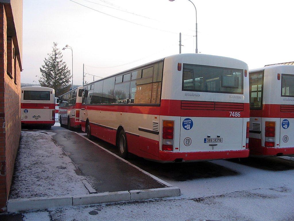 Fotogalerie » Karosa B951E.1713 7486   Brno   vozovna Medlánky