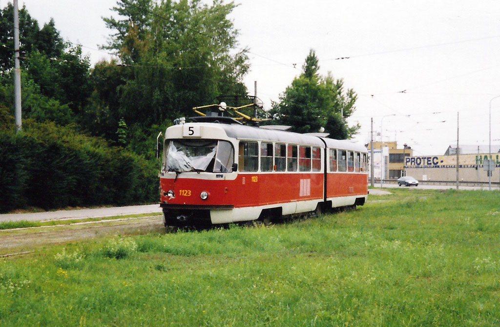 Fotogalerie » ČKD Tatra K2YU 1123 | Brno | Horní Heršpice | Ústřední hřbitov, smyčka