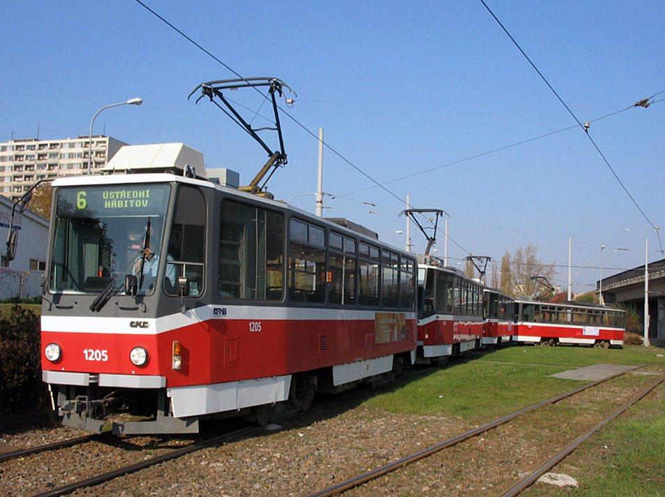 Fotogalerie » ČKD DS T6A5 1205 | ČKD DS T6A5 1206 | Brno | Královo Pole | Budovcova | Královo Pole, nádraží