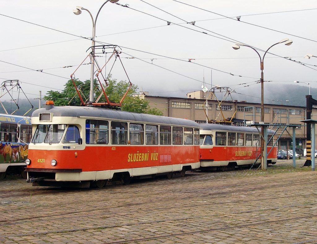 Fotogalerie » Tatra T2 služební 4121   Tatra T2 služební 4122   Brno   vozovna Pisárky