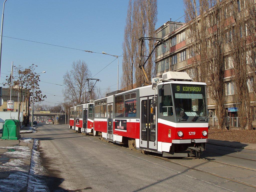 Fotogalerie » ČKD DS T6A5 1219 | ČKD DS T6A5 1220 | Brno | Komárov | Dornych