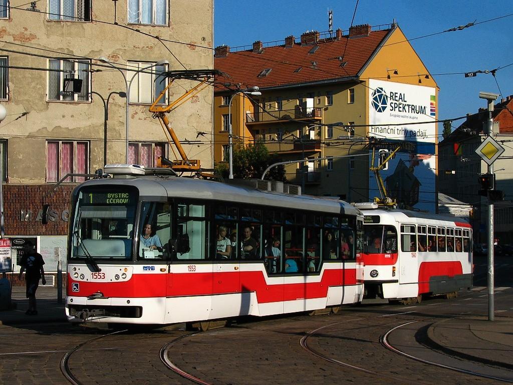 Fotogalerie » Pragoimex VarioLFR.E 1553   Pragoimex T3R.EV 1560   Brno   Staré Brno   Mendlovo náměstí