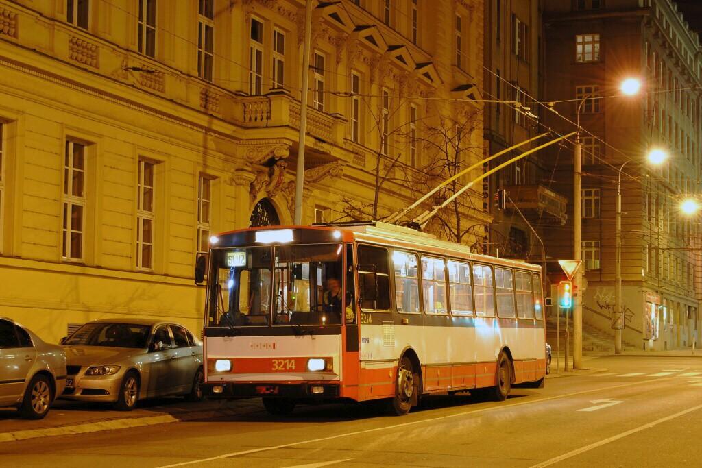 Fotogalerie » Škoda 14Tr08/6 3214 | Brno | střed | Moravské náměstí