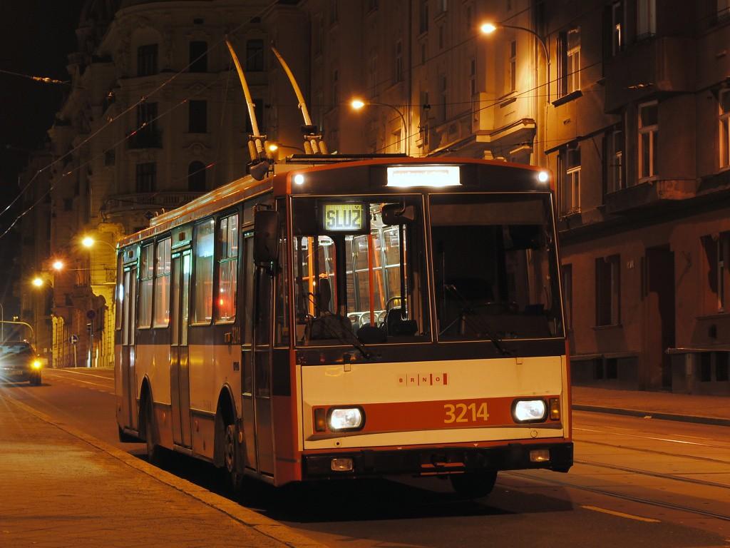 Fotogalerie » Škoda 14Tr08/6 3214 | Brno | Veveří | Nerudova