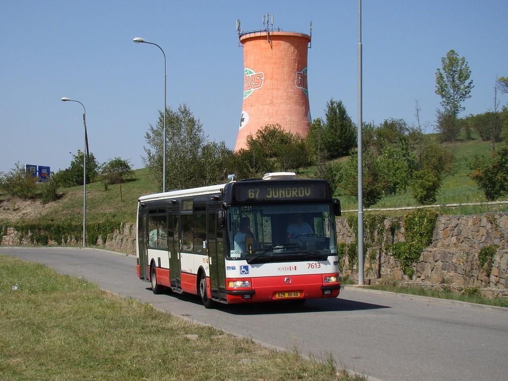 Fotogalerie » Irisbus Citybus 12M 2071.30 BZM 86-66 7613 | Brno | Královo Pole | Cimburkova