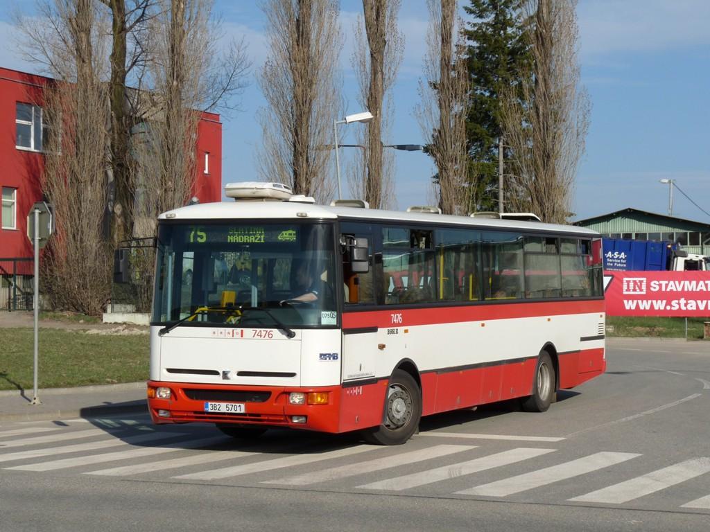Fotogalerie » Karosa B951E.1713 3B2 5701 7476   Brno   Slatina   Tuřanka