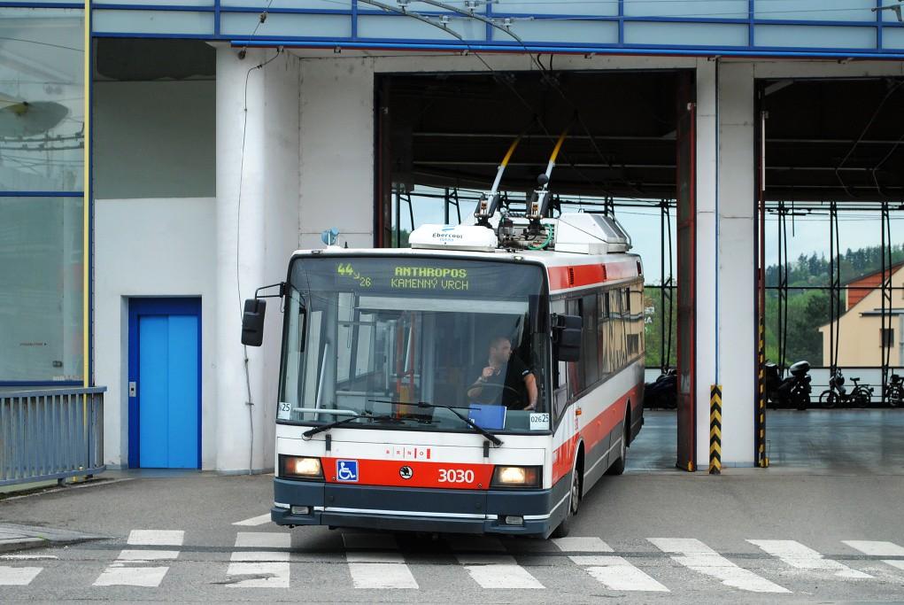 Fotogalerie » Škoda 21Tr 3030 | Brno | Komín | vozovna Komín
