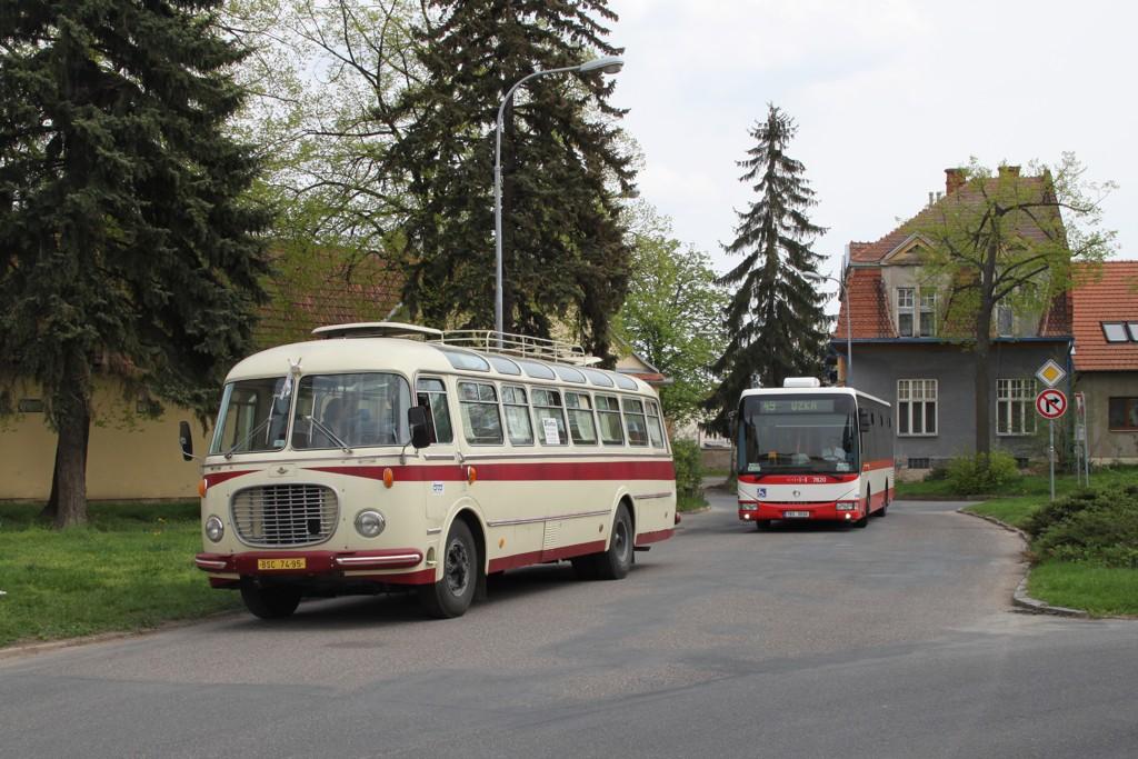 Fotogalerie » Škoda 706 RTO LUX BSC 74-95 | Irisbus Crossway LE 12M 7B3 3930 7820 | Brno | Přízřenice | Staré náměstí | Přízřenice, smyčka