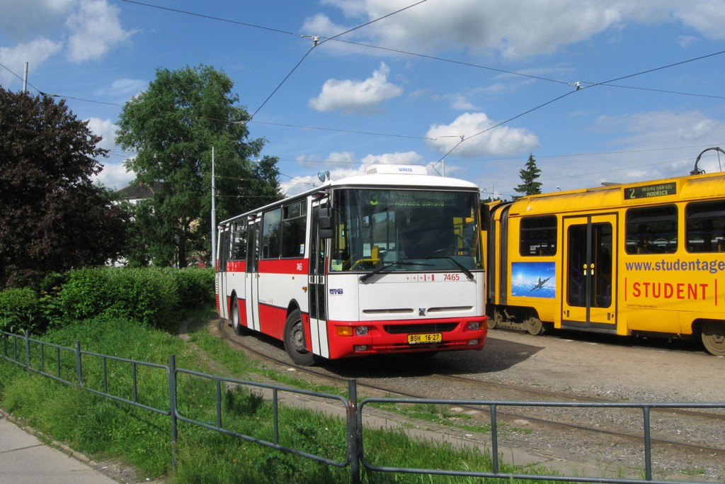 Fotogalerie » Karosa B931E.1707 BSH 16-27 7465 | Brno | Židenice | Svatoplukova | Stará Osada, smyčka