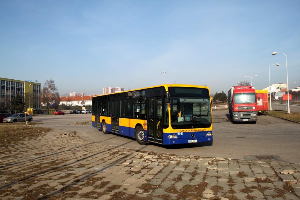 Fotogalerie » Mercedes-Benz Conecto LF 6B0 5412 | Brno | Líšeň | Trnkova | Zetor, smyčka