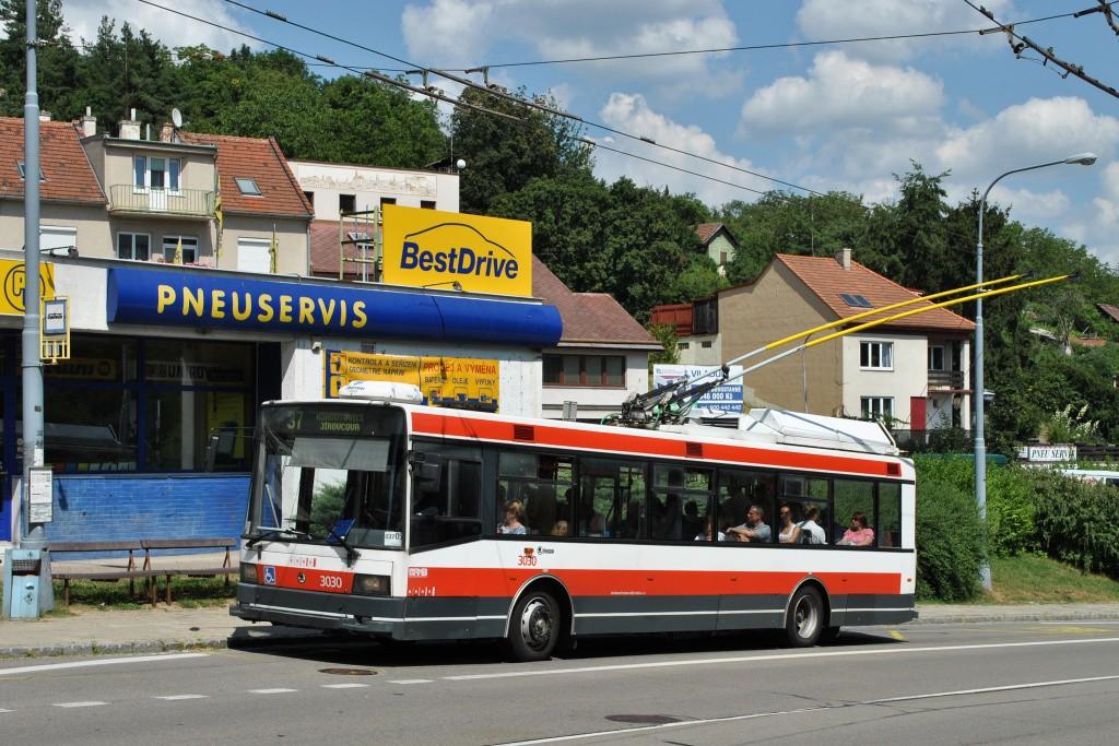 Fotogalerie » Škoda 21Tr 3030 | Brno | Kohoutovice | Libušino údolí | Libušina třída