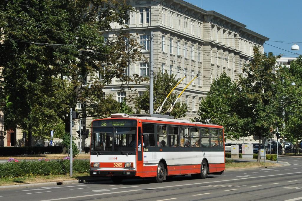 Fotogalerie » Škoda 14TrR 3265   Brno   střed   Komenského náměstí