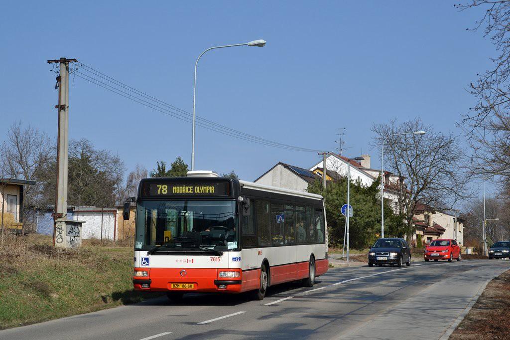 Fotogalerie » Irisbus Citybus 12M 2071.30 BZM 86-68 7615 | Brno | Chrlice | U Viaduktu