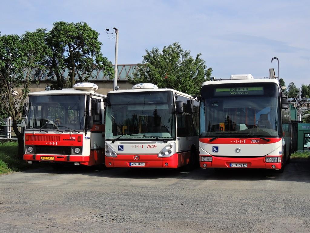 Fotogalerie » Irisbus Crossway LE 12M 7B3 3917 7807 | Irisbus Citelis 12M 4B5 9661 7649 | Karosa B732.1654.3 BSC 38-97 7394 | Brno | Medlánky | Vozovna Medlánky