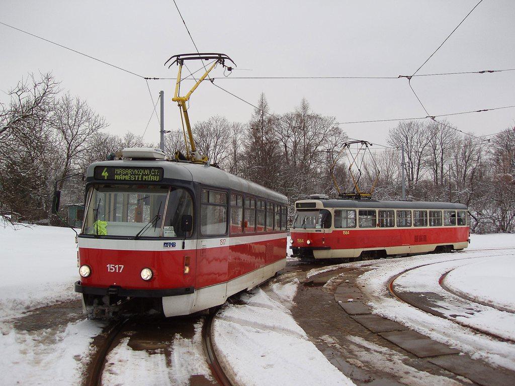 Fotogalerie » ČKD Tatra T3R.PV 1517 | ČKD Tatra T3P 1564 | Brno | Maloměřice | Obřanská | Babická, smyčka