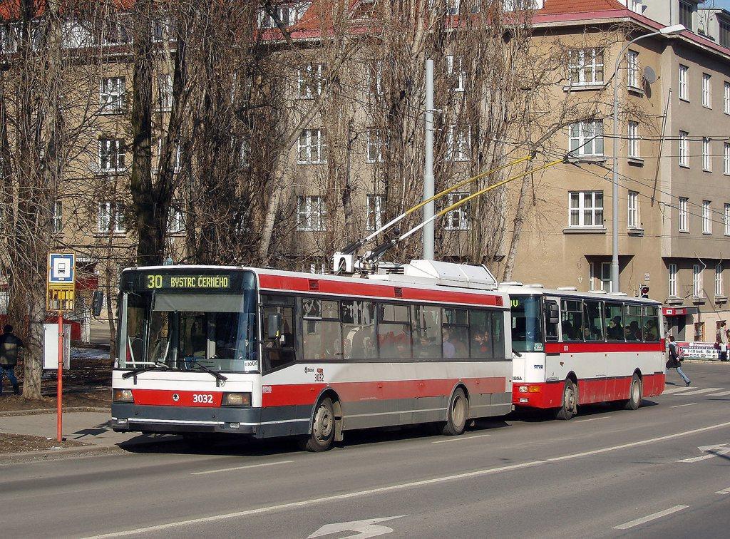 Fotogalerie » Škoda 21Tr 3032 | Karosa B931E.1707 7470 | Brno | Žabovřesky | Skácelova | Skácelova