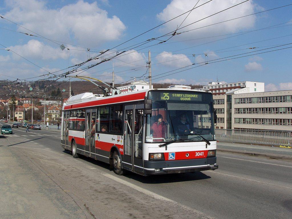 Fotogalerie » Škoda 21TrIGCT 3041 | Brno | Komín | Čichnova