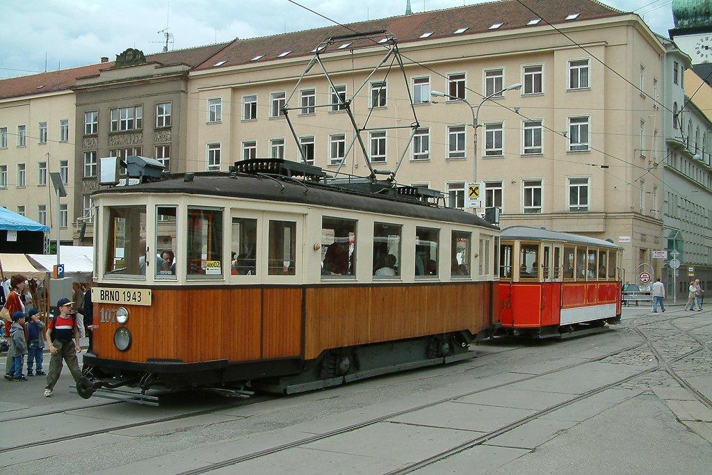 Fotogalerie » KPS Brno mv6.3 107 | Ringhoffer vv2.ringh 215 | Brno | střed | Moravské náměstí