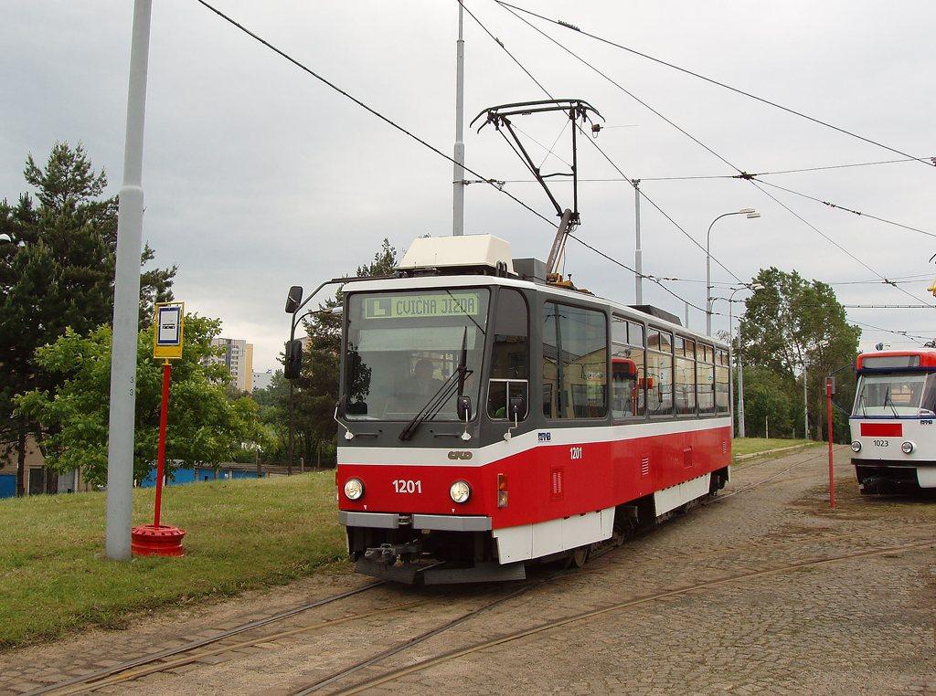 Fotogalerie » ČKD DS T6A5 1201 | Brno | vozovna Medlánky