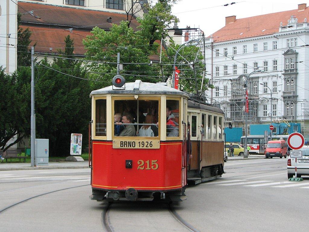 Fotogalerie » KPS Brno mv6.3 215 | Ringhoffer vv2.ringh 107 | Brno | střed | Moravské náměstí