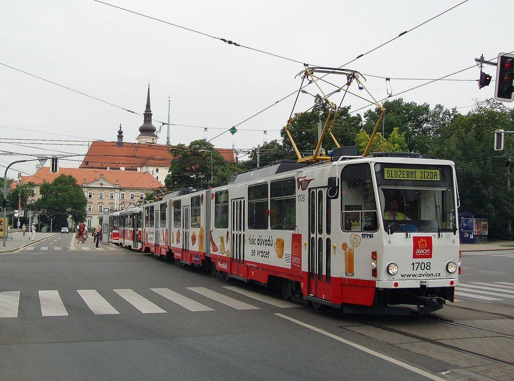 Fotogalerie » ČKD Tatra KT8D5 1708 | Pragoimex T3R.EV 1531 | Pragoimex VV60LF 1301 | Pragoimex T3R.EV 1569 | Brno | střed | Lidická