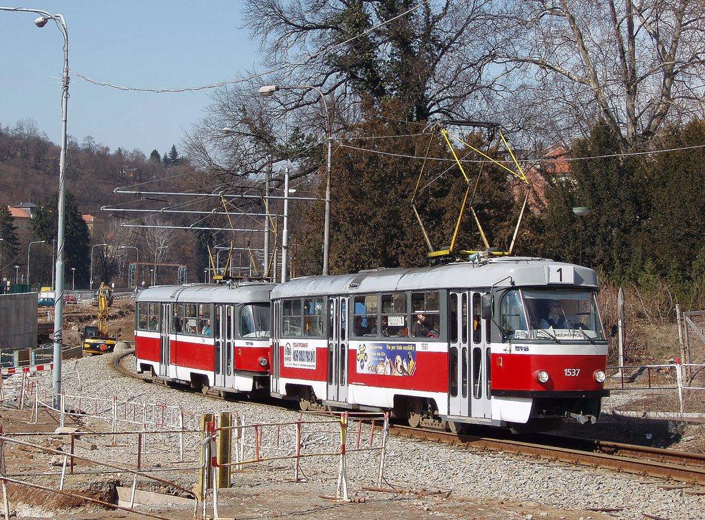 Fotogalerie » ČKD Tatra T3 1537   ČKD Tatra T3 1548   Brno   Pisárky   Hlinky