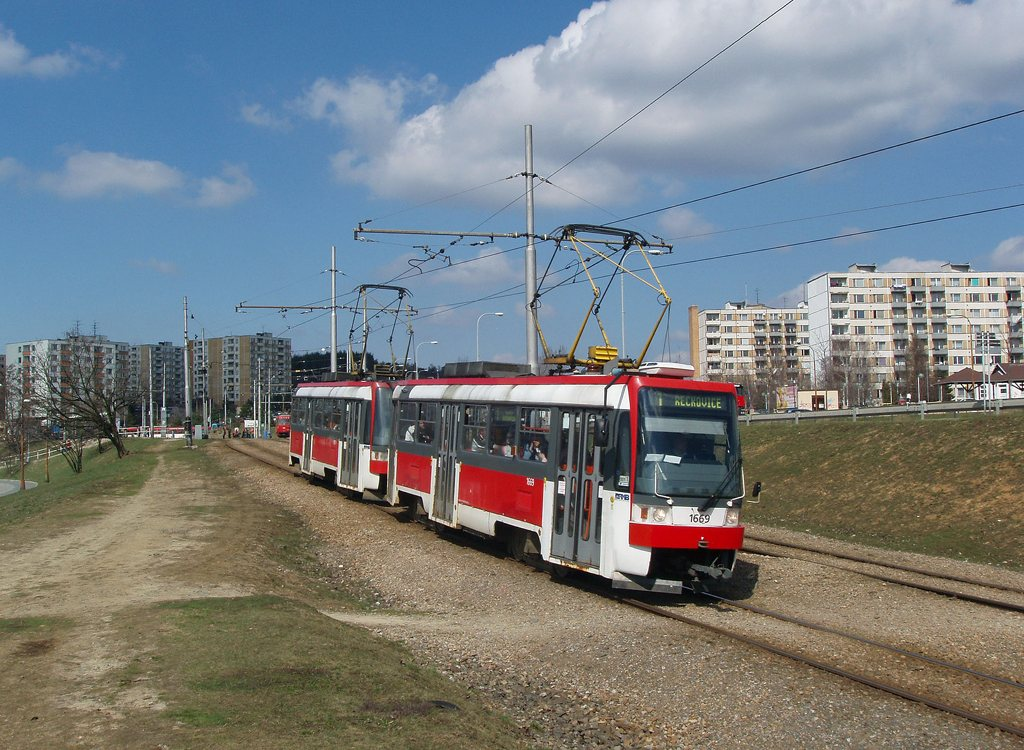 Fotogalerie » ČKD DS T3RF 1669 | ČKD DS T3RF 1670 | Brno | Bystrc