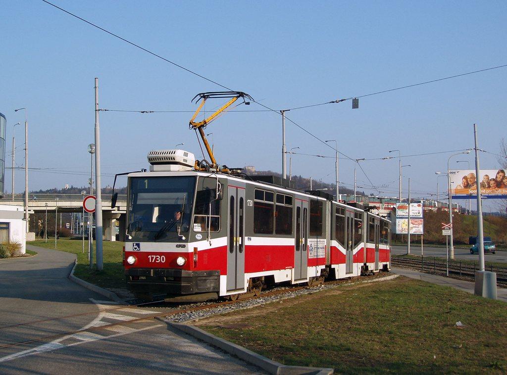 Fotogalerie » ČKD Tatra KT8D5N 1730 | Brno | Komín | Jundrovská | Komín, smyčka