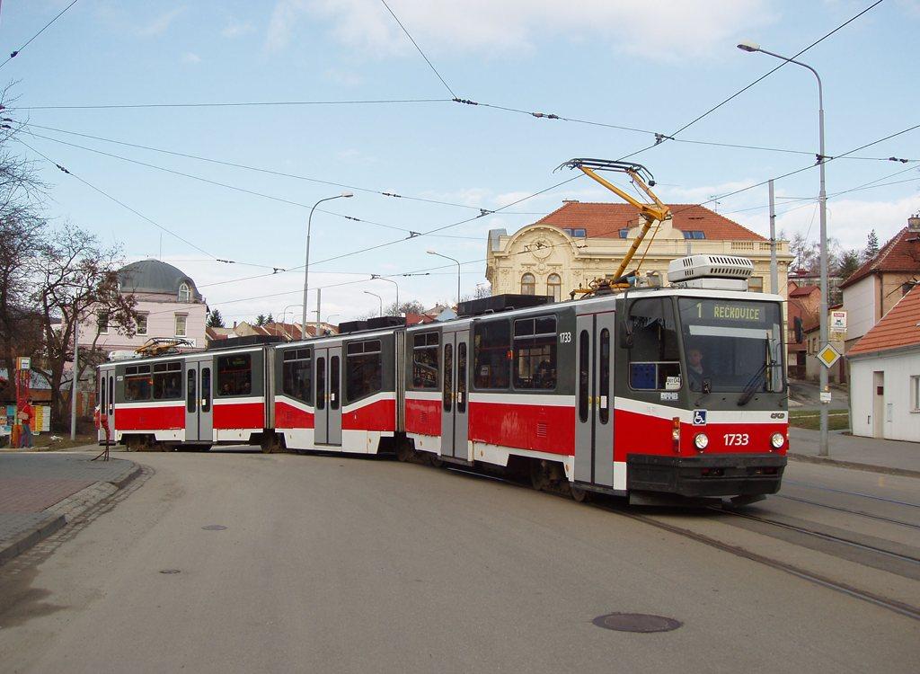 Fotogalerie » ČKD Tatra KT8D5N 1733 | Brno | Žabovřesky | Rosického náměstí