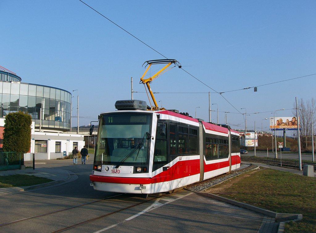 Fotogalerie » Škoda 03T7 1820 | Brno | Komín | Jundrovská | Komín, smyčka