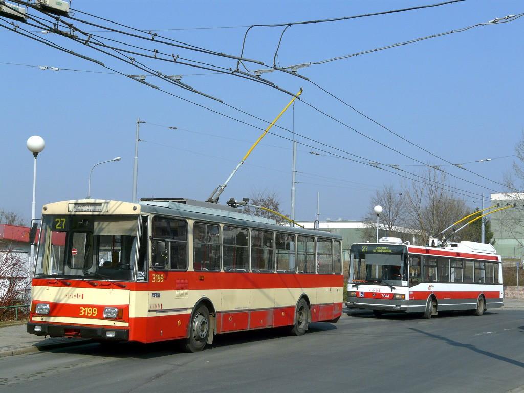 Fotogalerie » Škoda 14Tr07 3199 | Škoda 21TrIGCT 3041 | Brno | Vinohrady | Pálavské náměstí | Pálavské náměstí