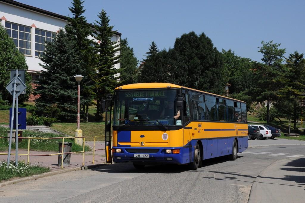 Fotogalerie » Karosa C954E.1360 2B8 1053 | Klobouky u Brna | Vinařská | Klobouky u Brna, škola
