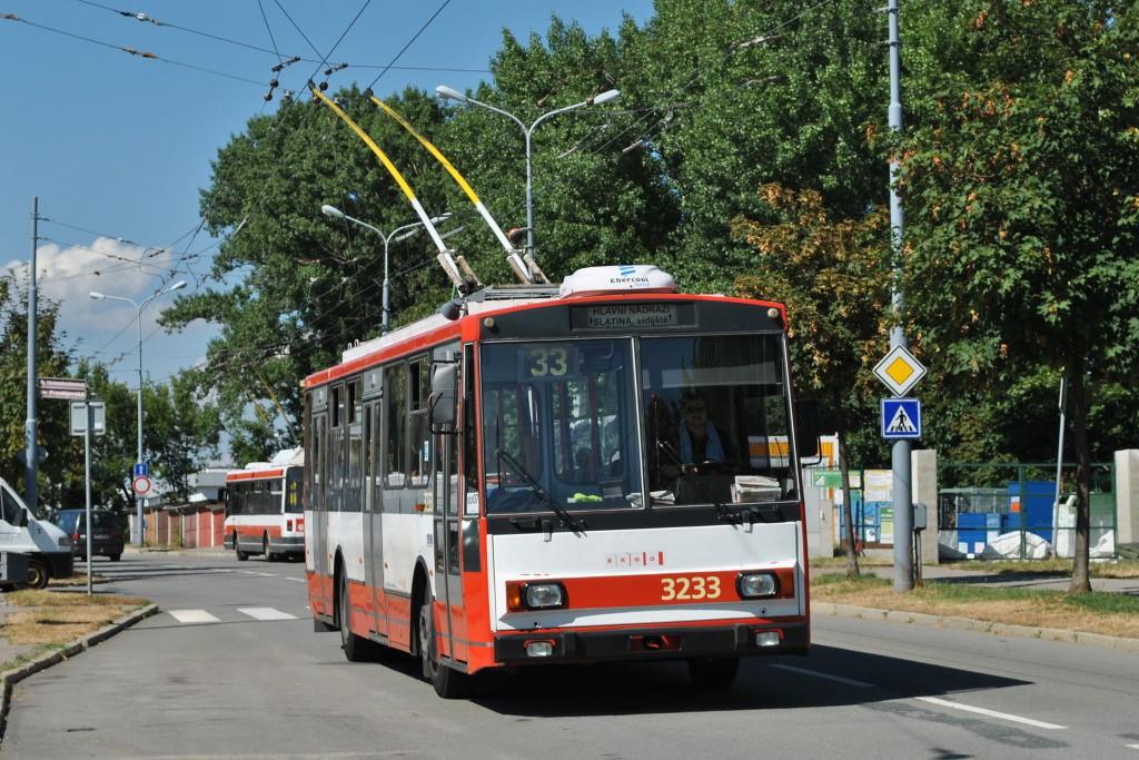 Fotogalerie » Škoda 14Tr10/6 3233 | Brno | Slatina | Mikulčická